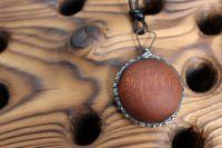 Dřevíčko mahagonový - cínovaný šperk