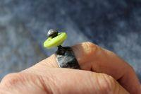 JARNÍ :) cínovaný prstýnek se skleněným korálkem